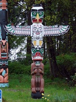 Canadian Architecture - Totem Pole in Vancouver's Stanley Park